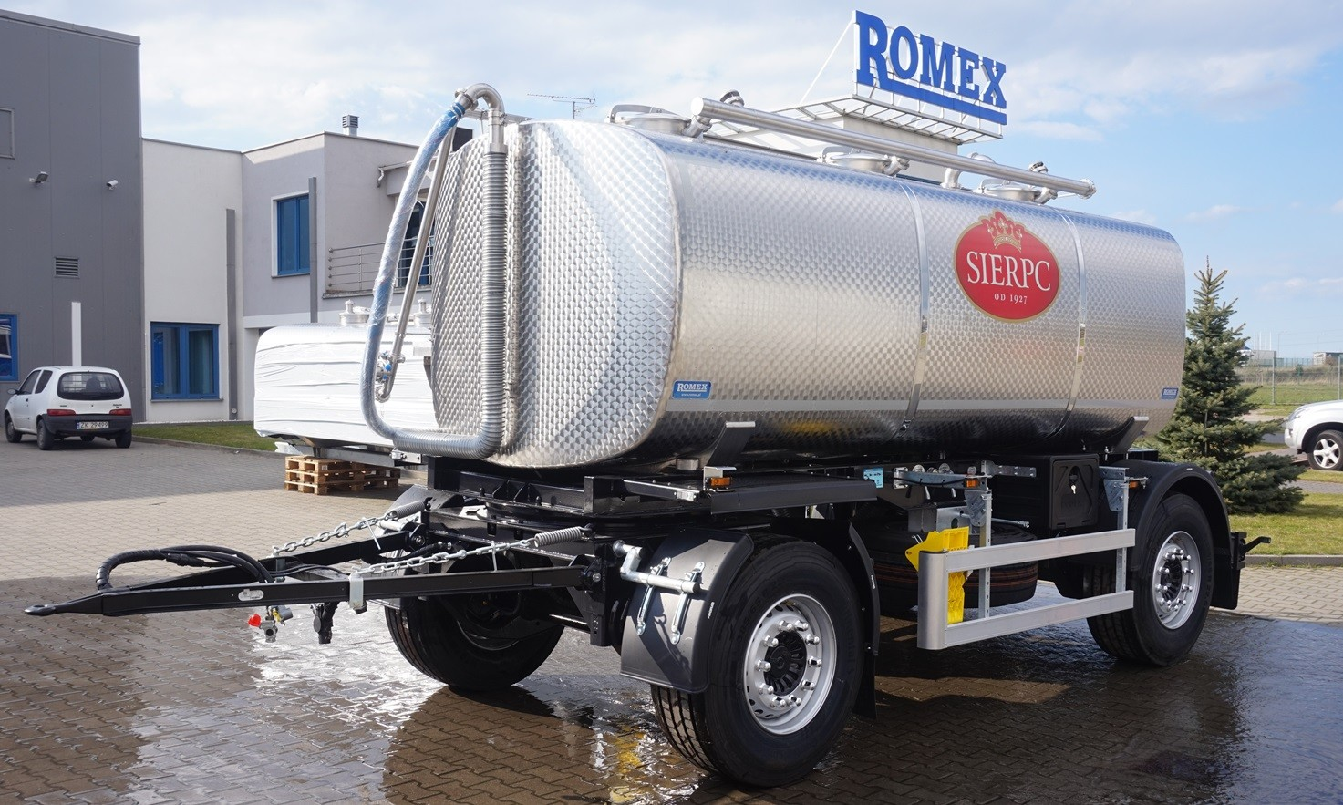 ROMEX - Milk collecting trailers